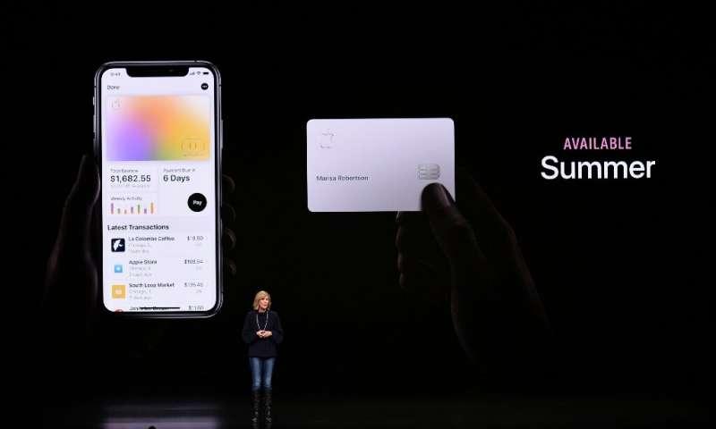 Apple Pay et la nouvelle carte de crédit Apple font partie des services mis en avant par le fabricant d'iPhone pour maintenir les clients dans son e