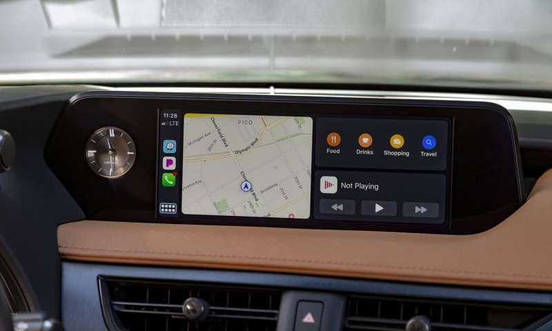 Edmunds teste les mises à jour d'Auto Android et Apple CarPlay