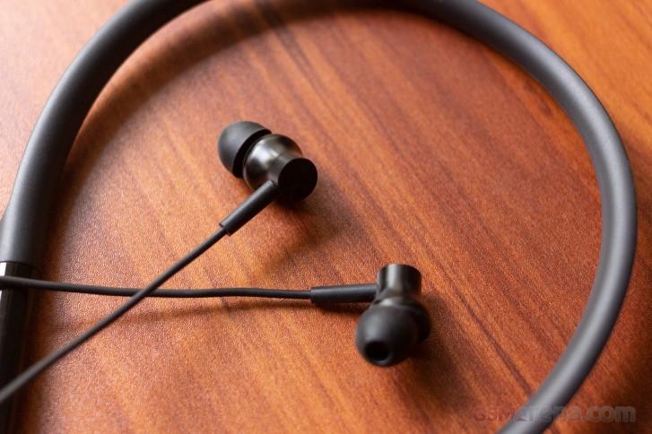Écouteurs Bluetooth Realme Buds Wireless vs Mi Neckband