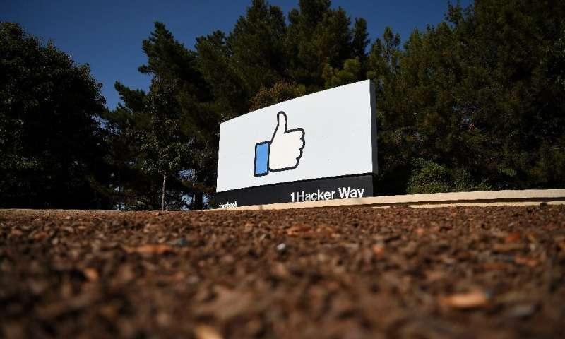 Facebook a déclaré qu'il serait en conformité avec la nouvelle loi californienne sur la confidentialité des consommateurs, mais certains analystes affirment que les petites entreprises