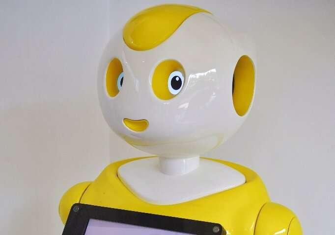 Des robots sont déjà déployés dans des situations médicales lors de la pandémie, mais les chercheurs affirment que des technologies vocales