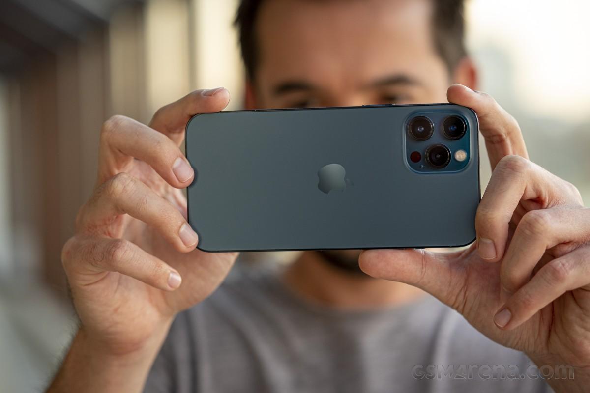 iPhone 12 Pro Max à revoir