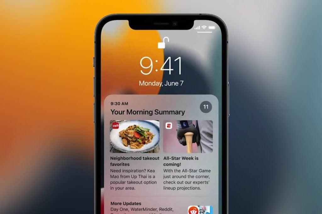 iOS 15 fonctionnant sur un iPhone