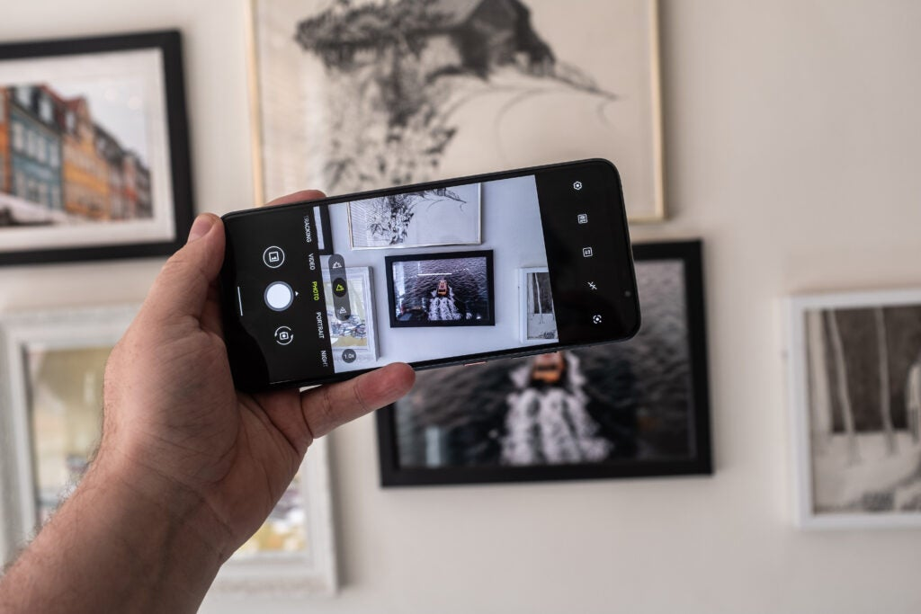 Snapdragon Phone prenant une photo